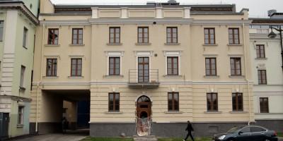 Набережная Лейтенанта Шмидта, 21, левый фасад