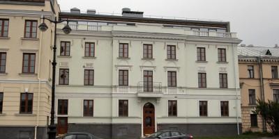 Набережная Лейтенанта Шмидта, 21, правый фасад