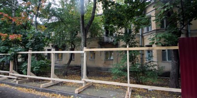 Проспект Тореза, дом 71, корпус 2, забор