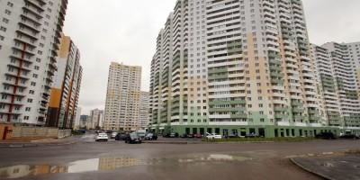 Шушары, Новгородский проспект, перекресток с Окуловской улицей