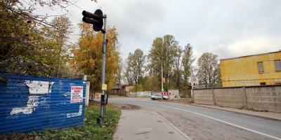 Малая Митрофаньевская улица, бывший переезд, светофор