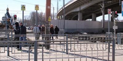 Переход через железную дорогу, проспект Стачек