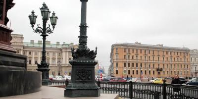 Исаакиевская площадь, разбитый фонарный столб