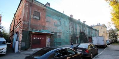 Державинский переулок, заброшенный дом Военмеха