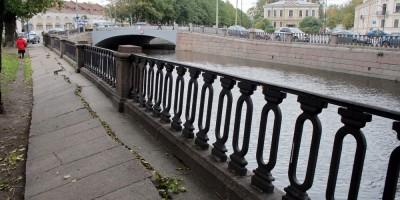 Набережная канала Грибоедова, тротуары кривые