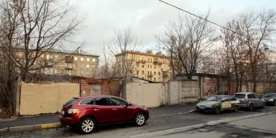 Улица Метростроевцев, 4, гаражи