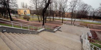 Ломоносов, лестница в парк