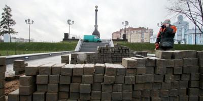 Ломоносов, лестница и стела Город воинской славы