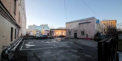 Проспект Бакунина, 27, двор