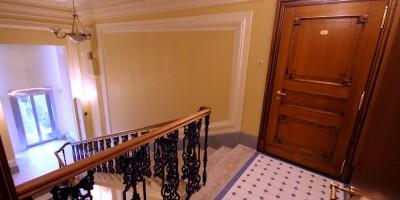 Смольный проспект, 11, лестница