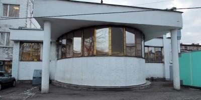 Станция метро Елизаровская, дворовый фасад