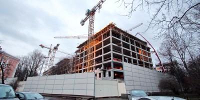 Строительство многопрофильной клиники ВМА во дворе
