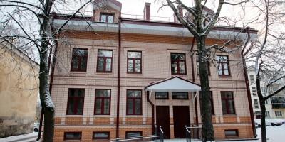 Павловск, улица Васенко, 8