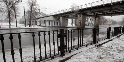 Сад 30-летия Октября, решетка сломана