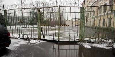 Улица Дудко, забор