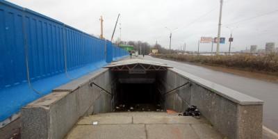 Проспект Обуховской Обороны, подземный переход у Речного вокзала