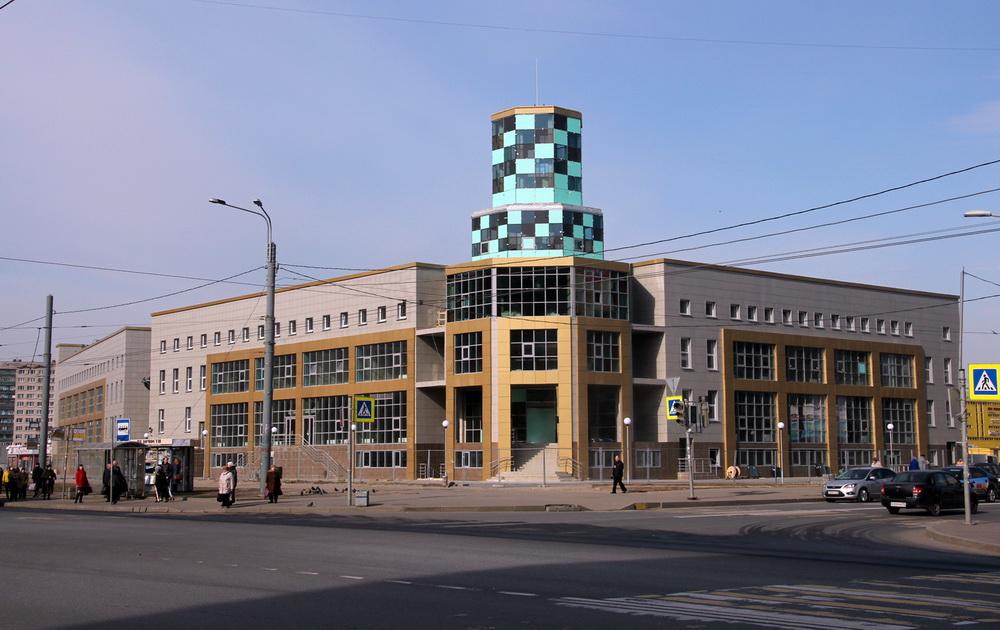 Улица Солдата Корзуна, 1, корпус 2, спортивный комплекс