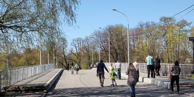 1-й Елагин мост, пешеходы