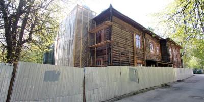 Дом Горностаевой-Монигетти, Октябрьский бульвар, 53, Пушкин, боковой фасад