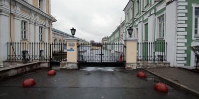 Филологический переулок, забор