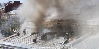 Пожар на крыше Конногвардейского манежа