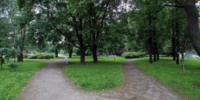 Улица Савушкина, Гутовский сквер, аллеи