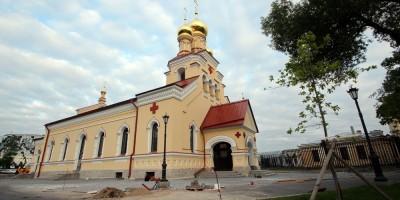 Церковь Пантелеимона на Свердловской набережной