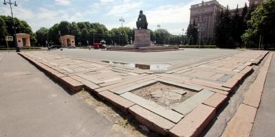 Площадь Чернышевского, отмостка
