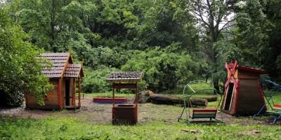 Проспект Пархоменко, детская площадка