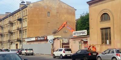Снос автосервиса на Лодейнопольской улице