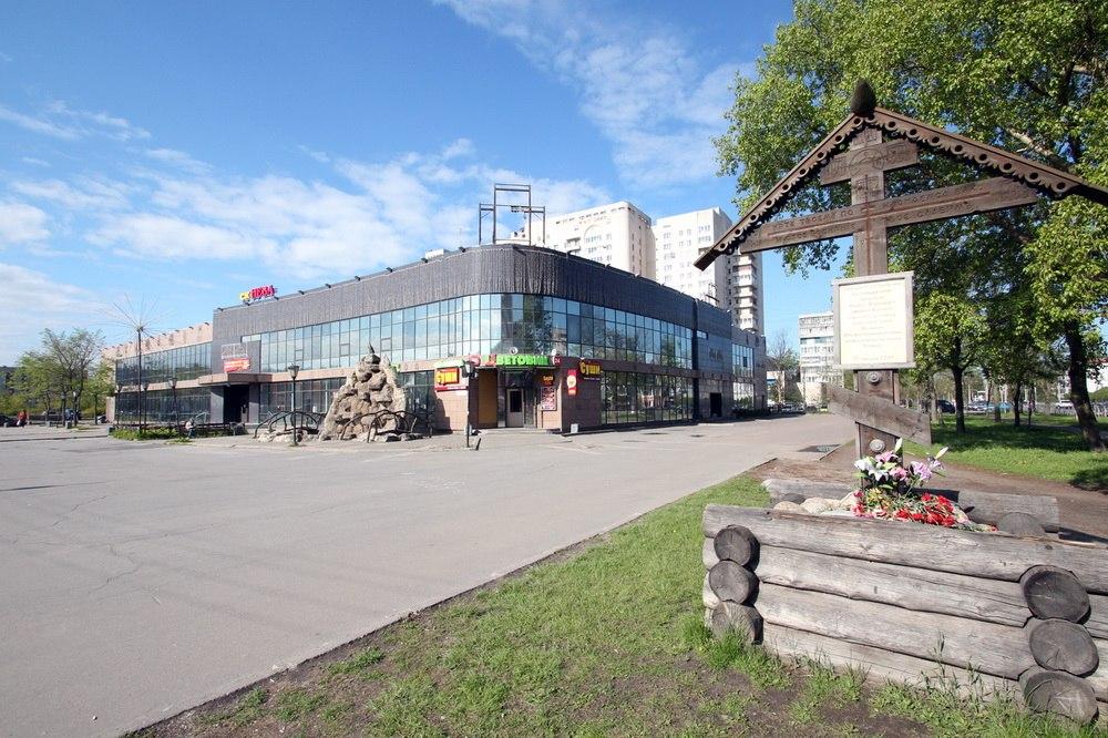 Торговый центр Нева в Колпине