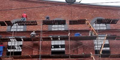 Бродильный цех на Курляндской улице, окна