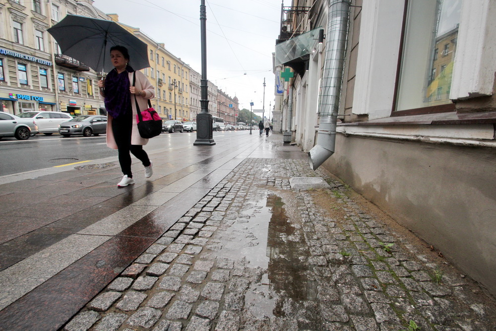 Московский проспект, тротуар
