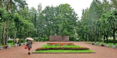 Памятник героям-политехникам