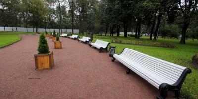 Среднеохтинский проспект, сквер, скамейки