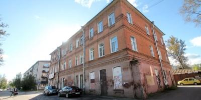 Колпино, площадь Коммуны, 7, здание общества потребителей Адмиралтейских Ижорских заводов