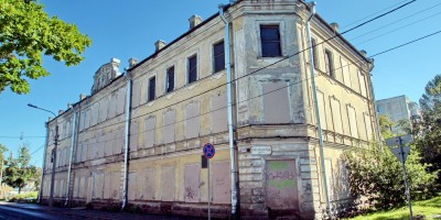 Ломоносов, Михайловская улица, 10