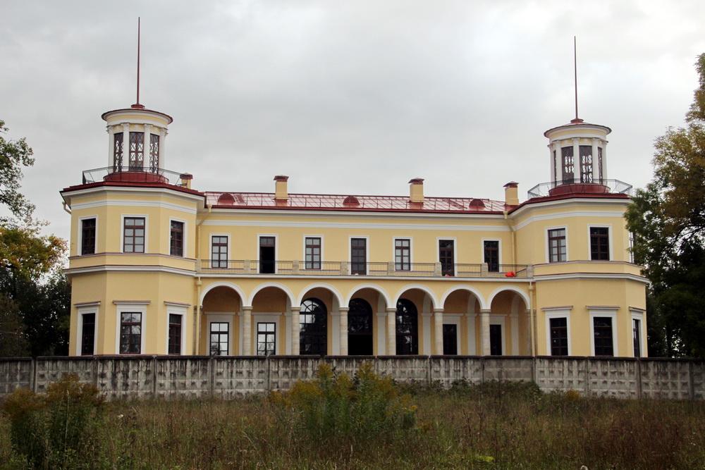 Павловск, усадьба Самойловой, задний фасад