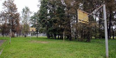 Школа на Крестовском проспекте, 7, баскетбольная площадка