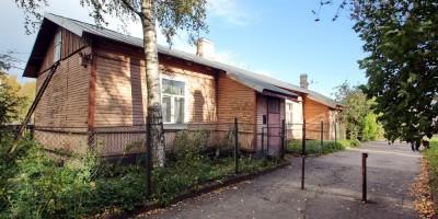 Станция Пискаревка, дом 2, задний фасад