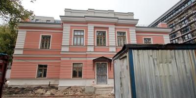 Улица Смольного, 4, богадельня в память бракосочетания великой княгини Ксении Александровны