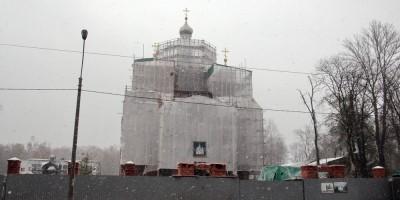 Октябрьская набережная, Свято-Троицкая церковь, восстановление