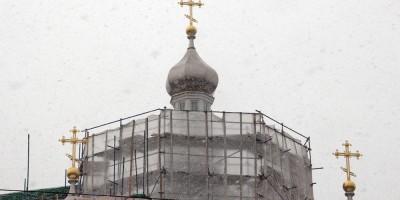 Октябрьская набережная, Свято-Троицкая церковь, восстановление, купола