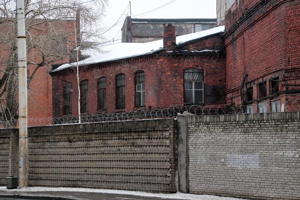 Активисты: НаСвердловской набережной нелегально сносят завод «Красный выборжец»