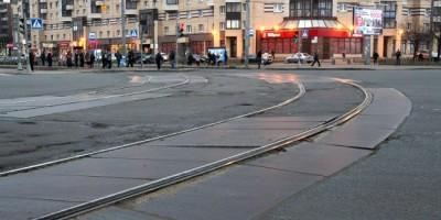 Перекресток проспекта Наставников и Хасанской улицы, рельсы