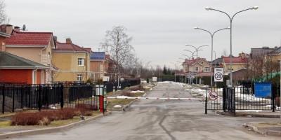 Петергоф, Леонтьевская улица