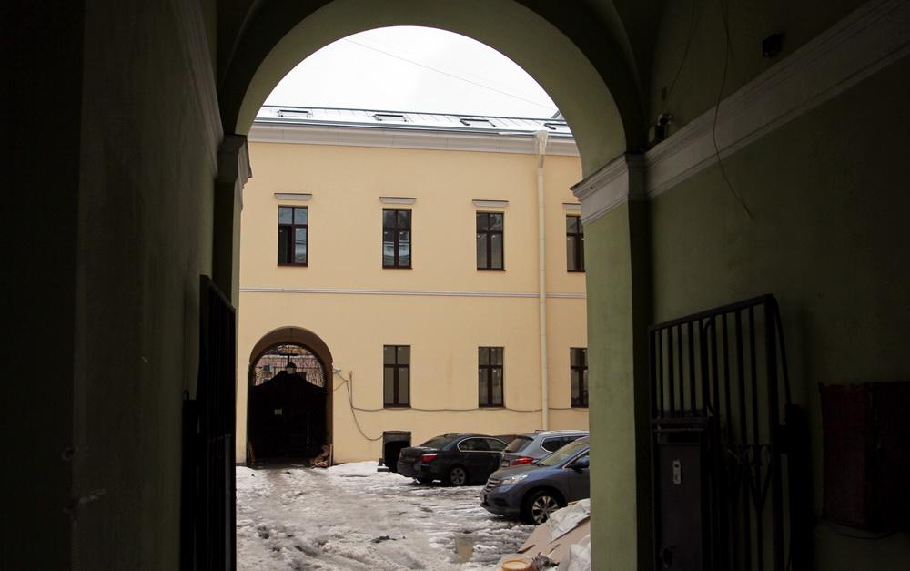 Галерная улица, 15, особняк Дурново, арка