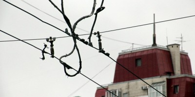 Краснопутиловская улица, контактная сеть троллейбусов