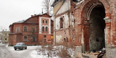 Переулок Ногина, приходской дом, руины