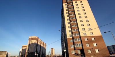 Дальневосточный проспект, 6, 8 и 10, жилые дома